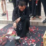 Mbah Mijan lakukan ritual di Bundaran HI. (Foto:MTVN/Intan Fauzi)